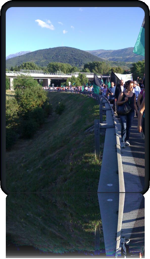 manifestazione-aquila-16.06.2010.png