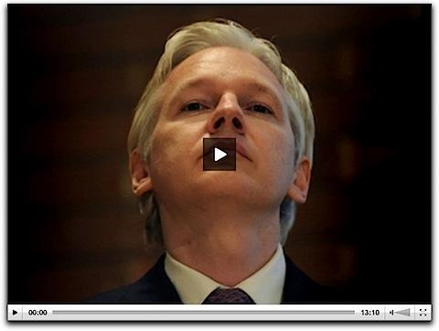 Articolo di Mashable su Facebook ed i Media - Intervista a Julian Assange